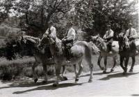 1950.07 - Abholung Pfarrer Diener in Aub 9.jpg